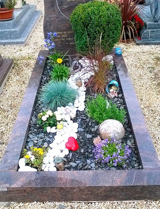 Création d'une tombe paysagère