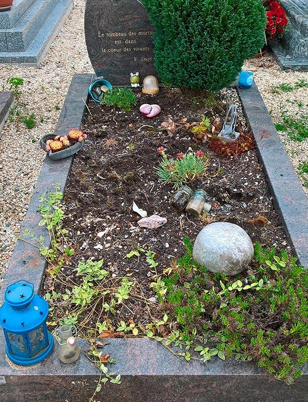 Entretenir les tombes des défunts dans les Côtes d'Armor 1