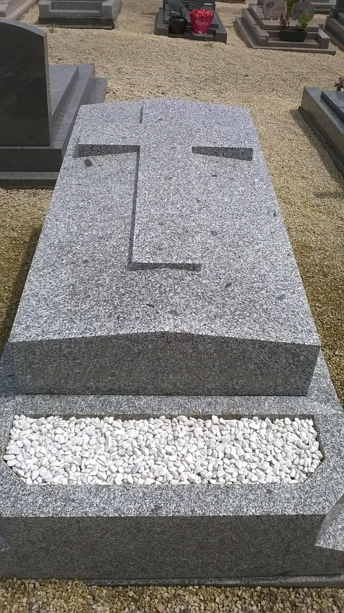 Embellir une tombe